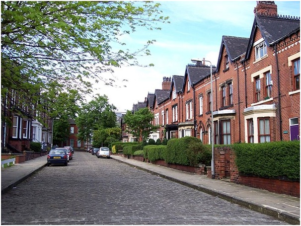 Cost of Average UK Home Nears £200K