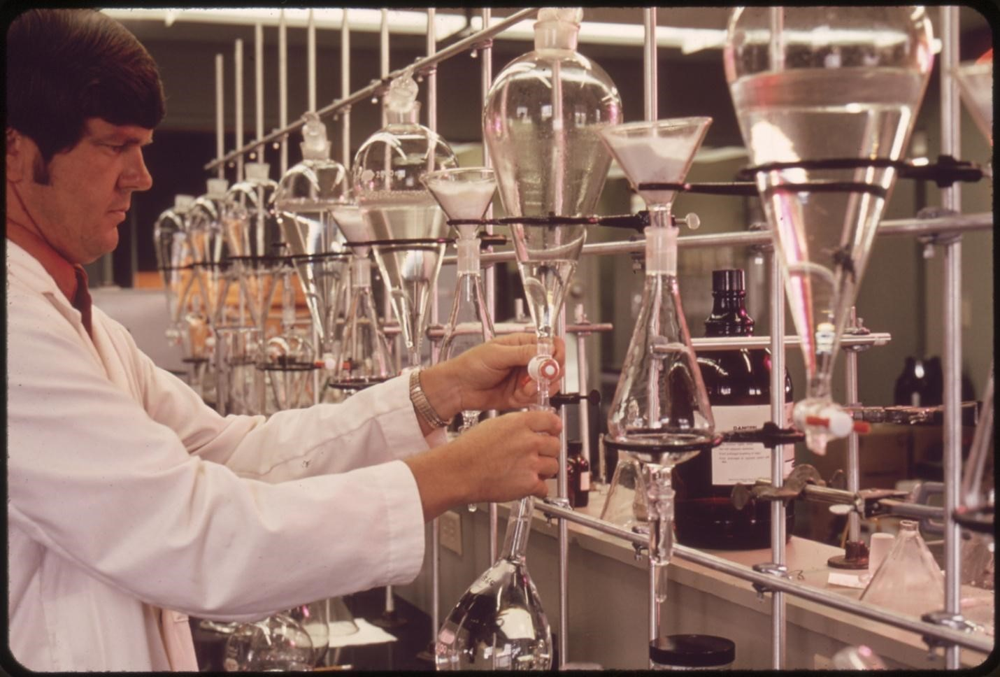 What does working as an FDA chemist involve