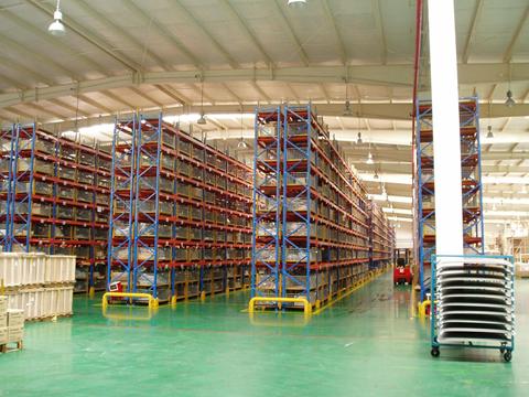 installing warehouse racking
